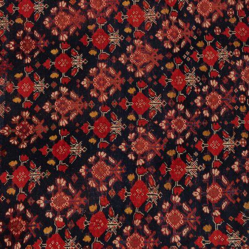 Ghashghai Ghashghai  S Persia, c. 1900. Alfombra de tejido extrafino. El campo c…