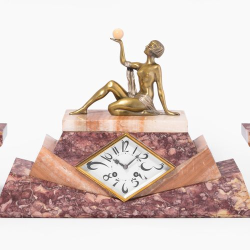 Frankreich, Tischuhr J. Lormier France, horloge de table J. Lormier.  Vers 1930,…