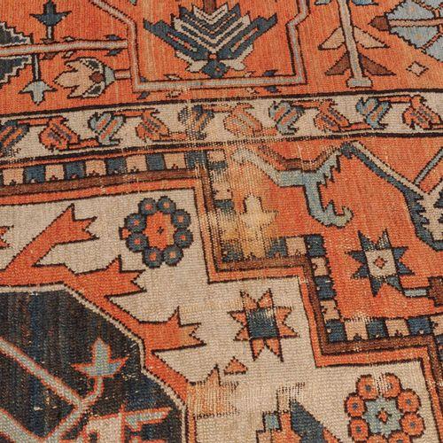 Karaja Serapi Karaja Serapi  Perse du Nord Ouest, vers 1900. Le champ central bl…