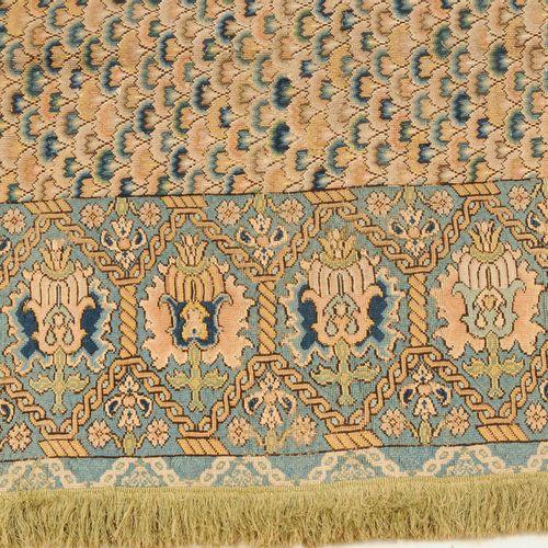 Seidenstickerei Broderie en soie  Probablement en France, vers 1800. Le champ ce…