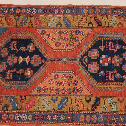 HERIZ Heriz  Perse du Nord Ouest, vers 1910. 6 hexagones crochus de couleurs alt…