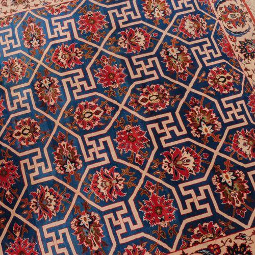 Najafabad Najafabad  Z Persien, um 1930. Der seltene hellblaue Grund wird durch …