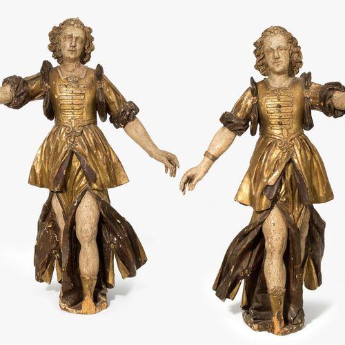 1 Paar Leuchterengel 1 paire d'anges chandeliers  Italie, vers 1700, bois sculpt…