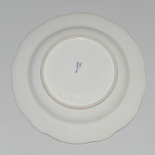 Meissen, Deckelterrine mit Unterschale Meissen, sopera con tapa y platillo.  Por…