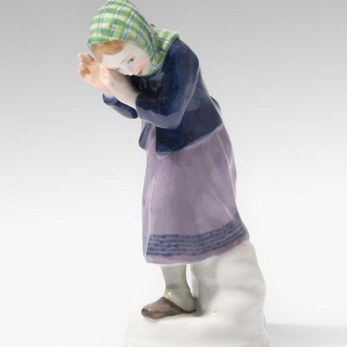 """Meissen, Figur """"Mädchen (Schneebälle) abwehrend"""" Meissen, Figura """"Ragazza (che r…"""