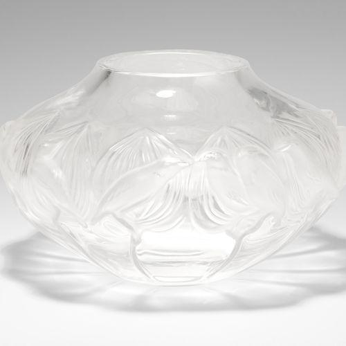 Lalique, Vase Lalique, Vase  Après 1945, modèle de Marc Lalique. Verre incolore,…
