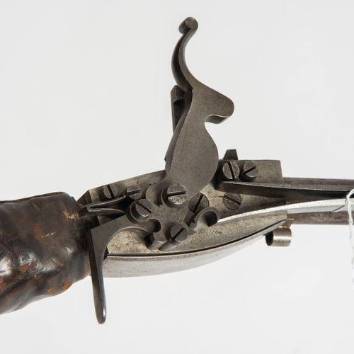 Luftbüchse Fusil à air comprimé  Allemagne, c. 1820. Canon rond (l 63,2 cm) tern…