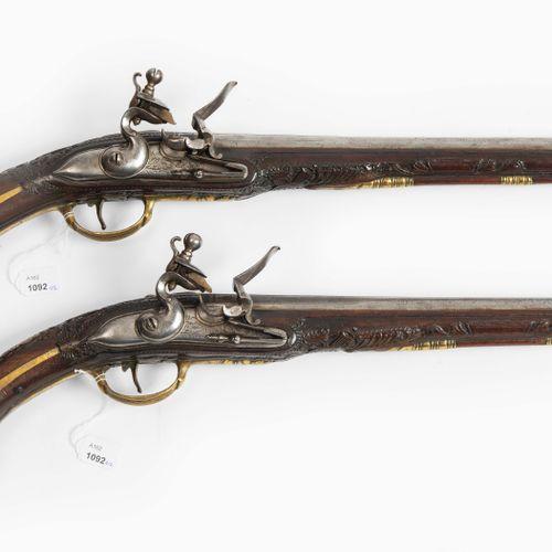 Steinschlosspistolen Paar Paire de pistolets à silex  Région ottomane / balkaniq…