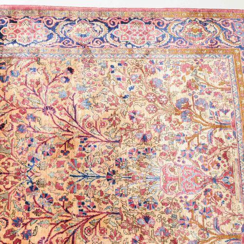 Kashan Seide Soie kashan  Z Perse, c. 1900. Tissu en pure soie. Sur un fond jaun…