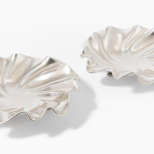 1 Paar Fussschalen 1 par de cuencos para los pies  Fráncfort del Meno, siglo XX.…