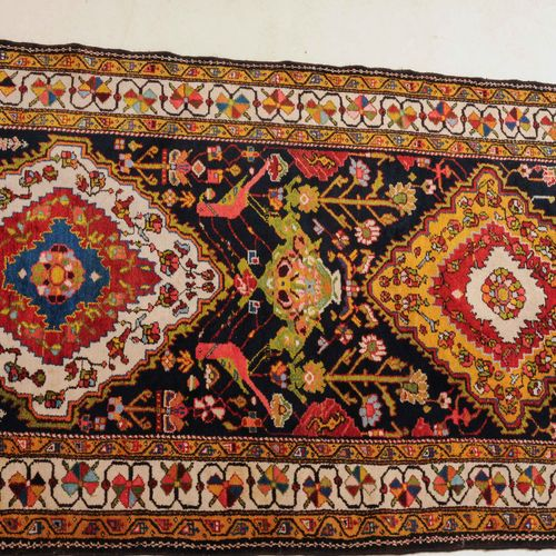 Luri Bakhtiar Luri Bakhtiar  Perse du Sud, vers 1900. Quatre médaillons de diama…