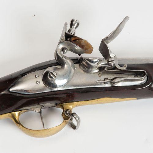 Steinschlossgewehr Fusil à silex  Cantonal, vers 1817. Canon rond, cal. 18mm. Pl…