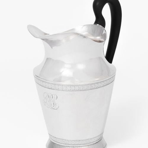 Milchkanne, Lausanne Pot à lait, Lausanne  Vers 1800, argent. Marque de maître A…
