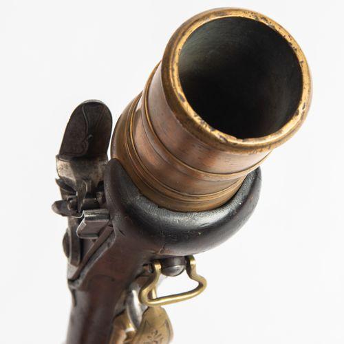 "Steinschloss Handmörser 燧发枪手用迫击炮  中欧,18世纪末。 多段式黄铜枪管,45毫米口径。在枪柄上方印有 ""ILR ""字样。燧发枪和…"