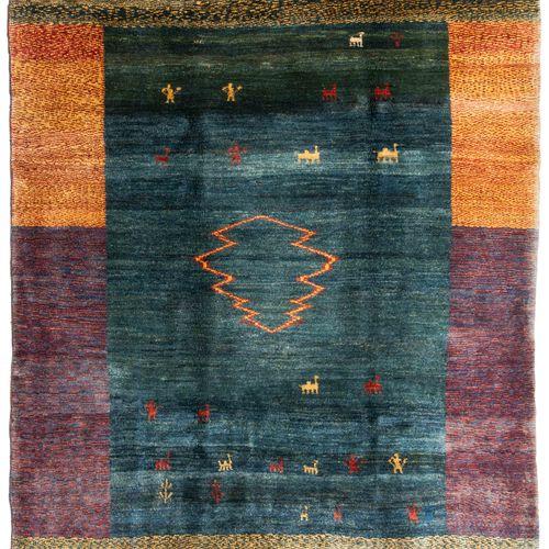 GABBEH Gabbeh  S Persia, c. 1980. Una obra elegante, contemporánea y moderna. Un…