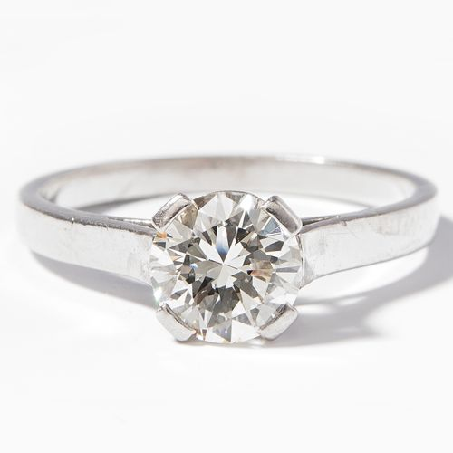 DIAMANT RING Bague en diamant  Bucherer. Platine 950. Brillant d'environ 1 ct K/…