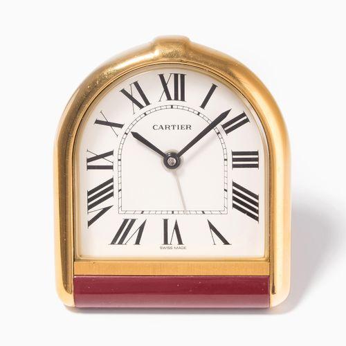 """Cartier Wecker """"Tortue"""" 卡地亚 """"Tortue """"闹钟  型号6602.金色金属,红色漆面。石英机芯。编号1U 09270,9x7.5厘…"""