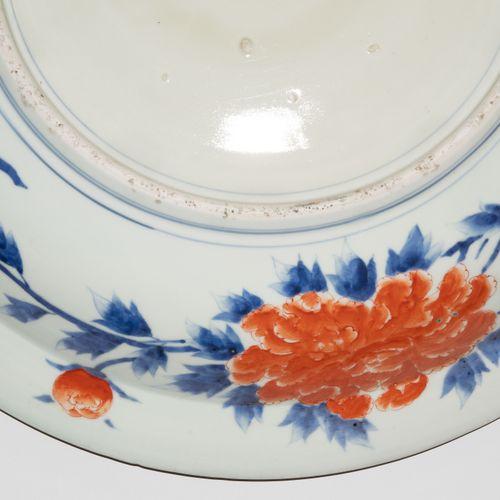 Grosse Platte Grande assiette  Japon, 19ème siècle. Imari. Décoration de dragon …