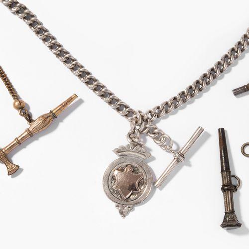 Lot: Uhrenkette und diverse Schlüssel Lot : Chaîne de montres et diverses clés  …