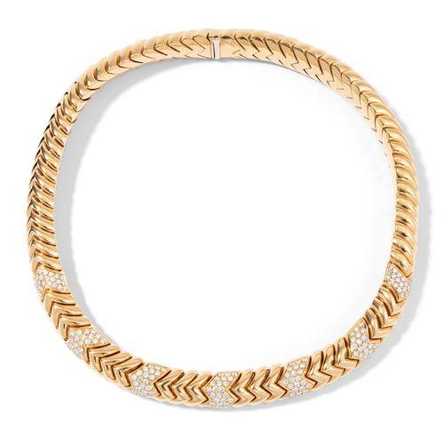 """Bulgari Collier """"Spiga"""" 宝格丽项链 """"Spiga  签名。750黄金。运动和优雅的穗状图案的项链,部分装饰有195颗精细的明亮型切割钻石…"""