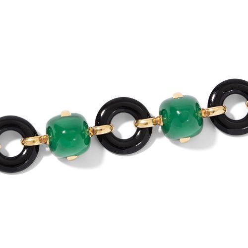 "Marzo Achat Onyx Bracelet 玛索玛瑙缟玛瑙手链  巴黎。签名为 ""MARZO PARIS""。750黄金/红金。绿色玛瑙 糖块凸圆形宝石与…"
