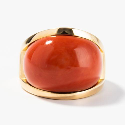 Korallen Ring 珊瑚戒指  Bucherer.750黄金。红色凸面珊瑚23x16毫米。尺寸60,37.2克。