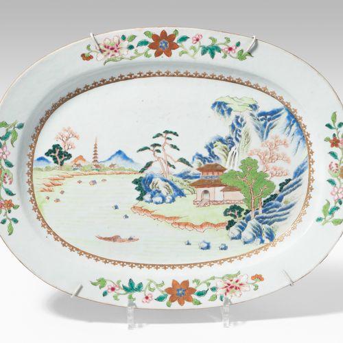 Ovale Platte Plaque ovale  La Chine. Porcelaine. Compagnie des Indes. Famille ro…