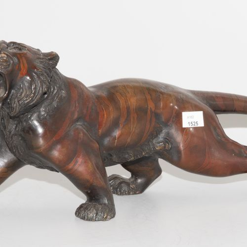 TIERFIGUR Figure animale  Japon, 20e siècle. Bronze, bruni foncé. Représentation…