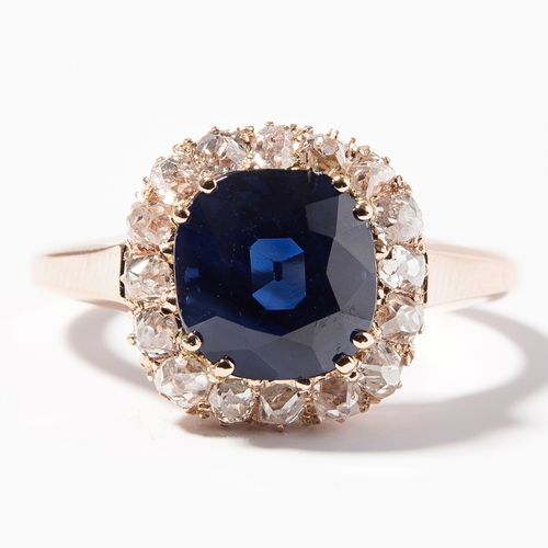 SAPHIR DIAMANT RING 蓝宝石钻石戒指  750红金。枕形蓝宝石,仿古切割,3.551克拉,未经处理。随行的小型老式切割钻石。尺寸57,4.5g…