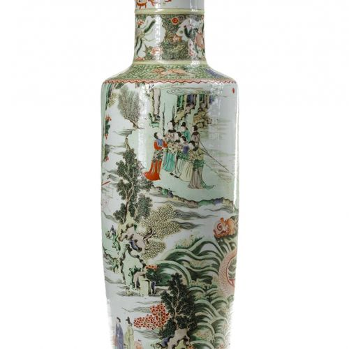 A CHINESE FAMILLE VERTE 'DRAGON BOAT' ROULEAU VASE, CHINA, QING DYNASTY (1644 19…