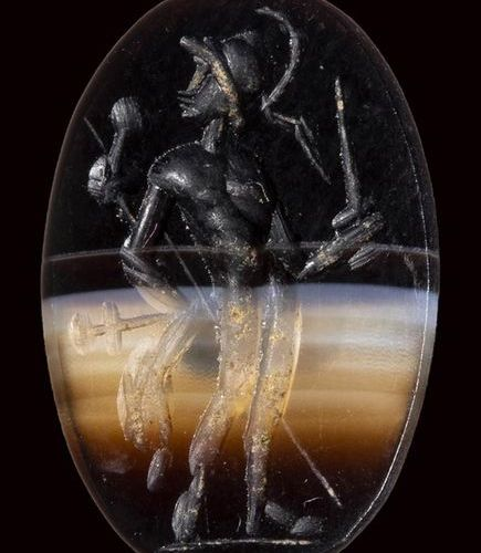 A roman banded agate intaglio. Warrior. 2nd 3rd century A.D. 11 x 16 x 3 mm The …