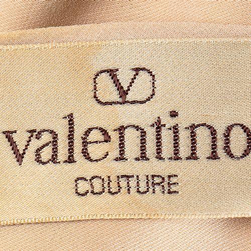 VALENTINO COUTURE  SILK ENSEMBLE  Spring/Summer 1984 Light beige silk ensemble (…