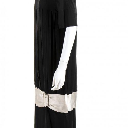 MILA SCHÖN ALTA MODA  SILK CREPE EVENING DRESS  Late 80s / Early 90s Black silk …