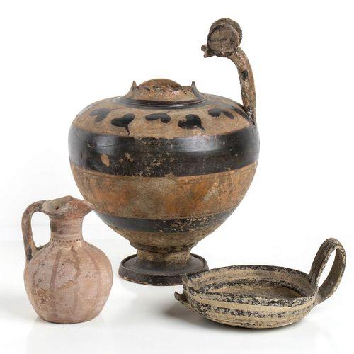 GRUPPO DI TRE VASI MAGNOGRECI VII IV secolo a.C. Alt. Massima cm 27 Gruppo costi…