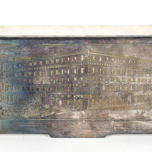 Boîte en argent 800/1000 Italie, 20ème siècle De forme rectangulaire, le couverc…