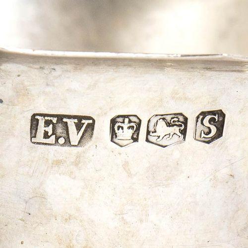 Lot d'objets en argent 20ème siècle composé des objets suivants : Panier à anse …