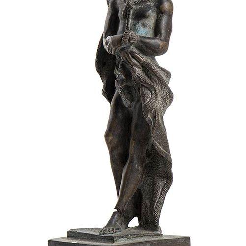 SCULPTEUR ANONYME DU 20e SIÈCLE Christ Sculpture en bronze, 20 x 4 x 4 cm Bon ét…