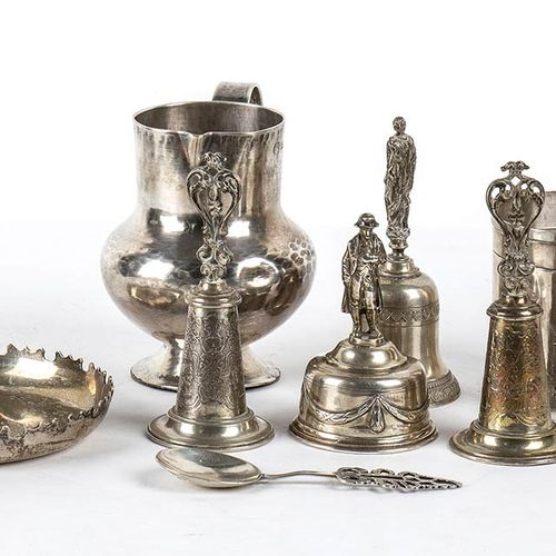 Lot of silver items 20th Century composed of the following objects; 800/1000 sil…