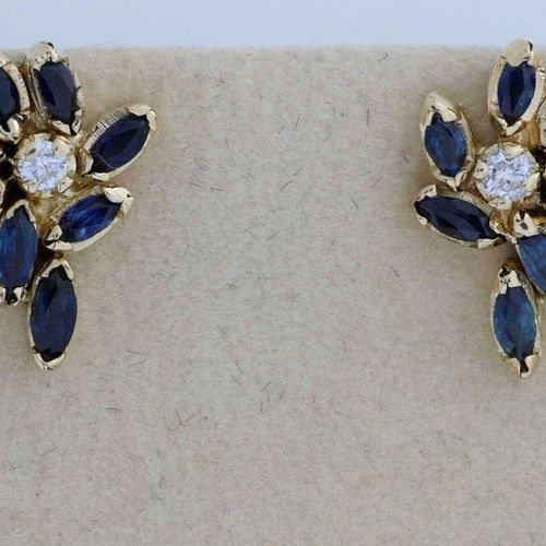 Pair of gold earrings set with sapphires and brilliants. Gross weight: 6.4 g