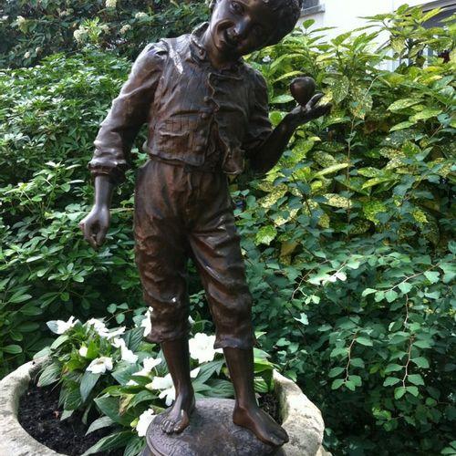 """Charles ANFRIE """"Garçon à la toupie"""" Epreuve en bronze, fonte d'édition ancienne …"""