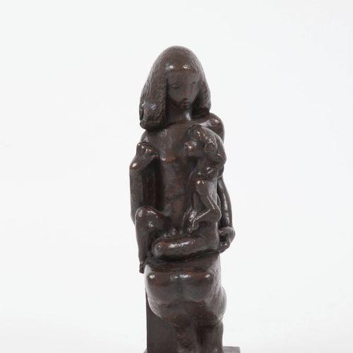 """Joseph CSAKY (1888 1971) """"Jeune mère et son enfant"""" 1950 Epreuve en Bronze, font…"""