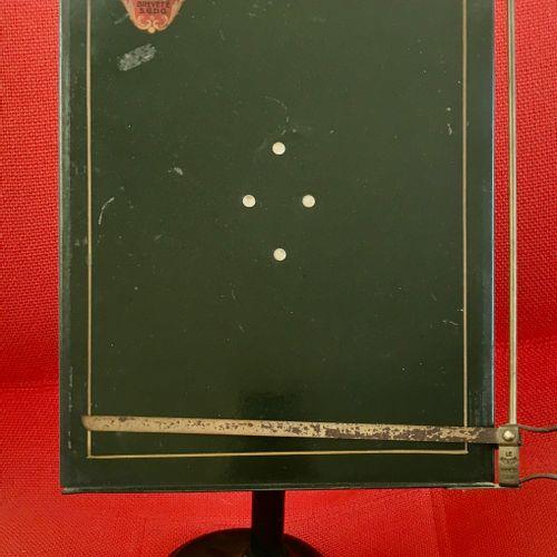 Ancien présentoir porte menu, Le mentor uniforme (pied en fonte inclinable) Haut…