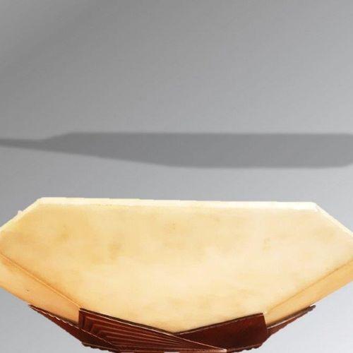 Albert CHEURET (1884 1966) : Lustre en bronze à patine argenté. Il est orné de p…