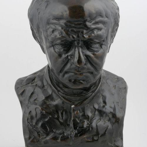 DE MAESTTE Buste van Guido Gezelle  (1921?) Plaasteren buste. Ca. 45 x 29 cm. Be…