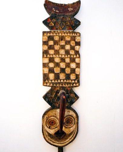 Mask hawk nwantantay Bwa Gurunsi Burkina Faso Wood, pigments H.: 93 cm. Mask zoo…