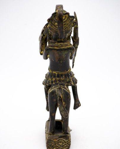 Nain de cour figure de cavalier Edo Royaume du Bénin (Nigeria) Laiton H. : 27 cm…