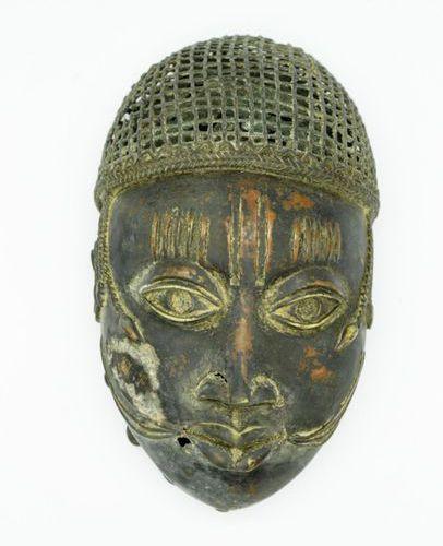 Masque Ife Royaume du Bénin / Nigéria Bronze à la cire perdue H. : 23 cm. Masque…