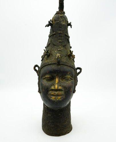 Tête commémorative d'ancêtre royale lyoba Bini / Edo Royaume du Bénin / Nigéria …