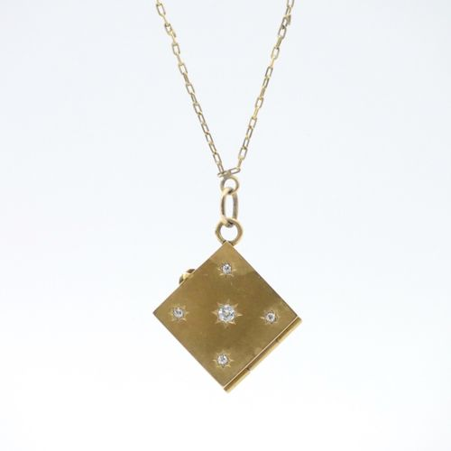 FRANCE 20th CENTURY  Gold chain 750/1000e and square photo holder pendant in low…