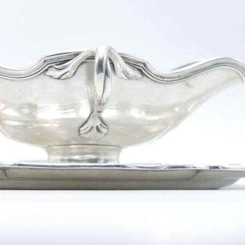 FRANCE 1884 1910  Saucière en argent 925/1000e de style Louis XV, modèle filets,…